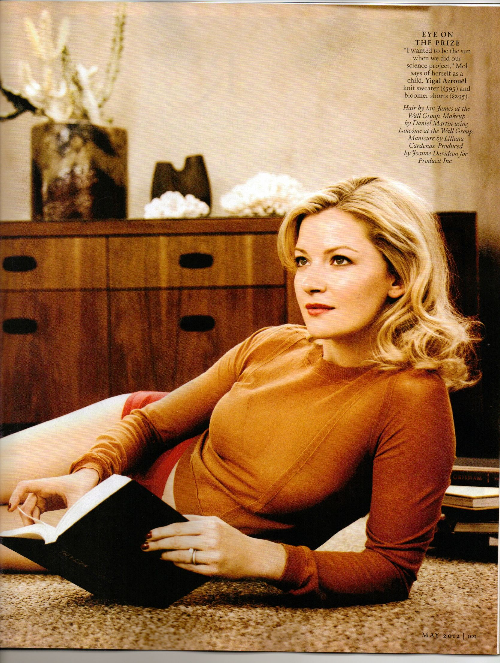 Gretchen Mol Being Gorgeous In Town Country Mag Style Interests
