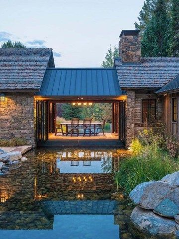 A Wyoming mountain retreat blends contemporary living with rustic style #rustichouse