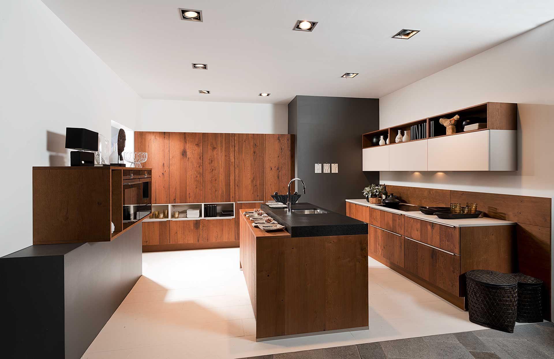 Moderne keuken in tricolor deze moderne keuken valt op door het
