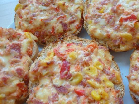 Pizzabrötchen / Gemüse-Schmand-Brötchen / Pizzasemmeln #tapasideer