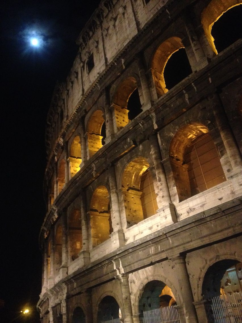 Night at Colosseo