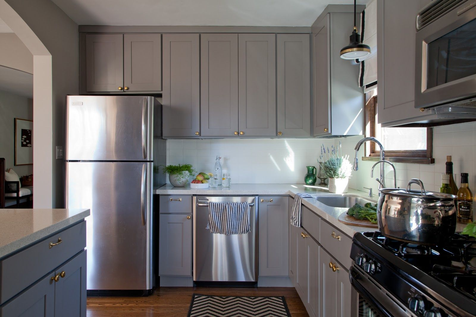Kitchens With Gray Floors Mixing Metals I Want To Do My Kitchen Cabnets Gray The Countertop