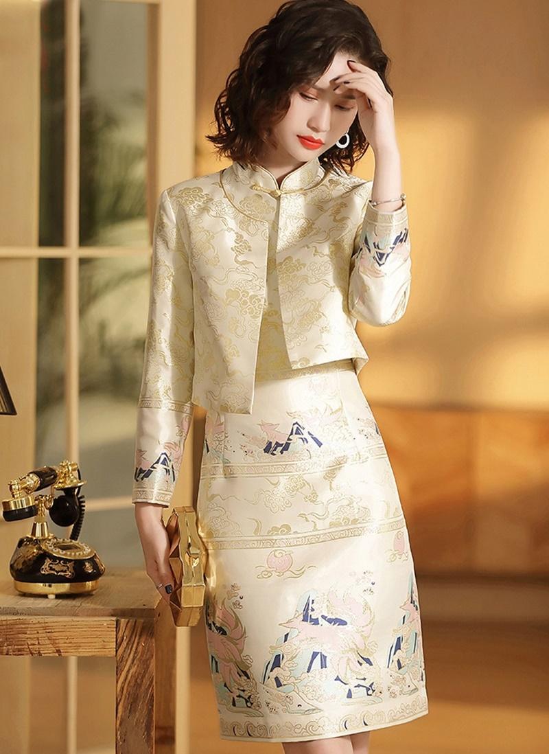 Modern Chinese Cheongsam Qipao Women Traditional Chinese Dress 2019 Autumn Winter Long Sleeve Beautiful Dress Designs Chinese Dress Modern Chinese Style Dress [ 1098 x 800 Pixel ]
