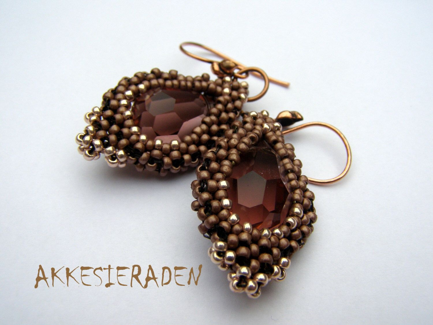 English pattern for the  Earrings with Drops by Akkesieraden on Etsy https://www.etsy.com/listing/183313882/english-pattern-for-the-earrings-with