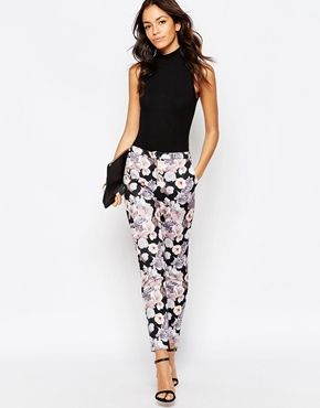 231fbdf37 Discover women's pants with ASOS. Shop for the latest chinos, leggings and  pants with ASOS