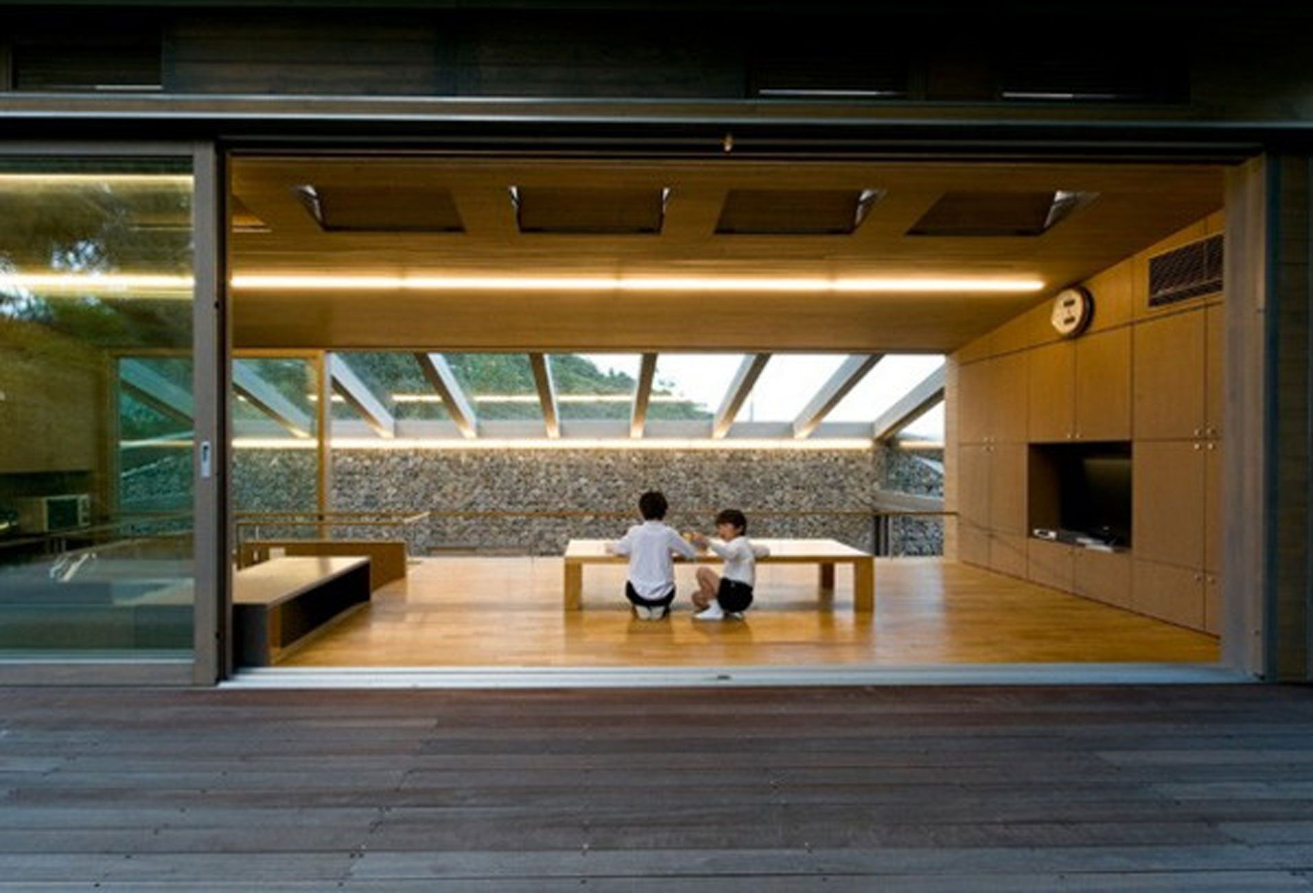 Modern Japanese house design interior glass roof for  minimalist