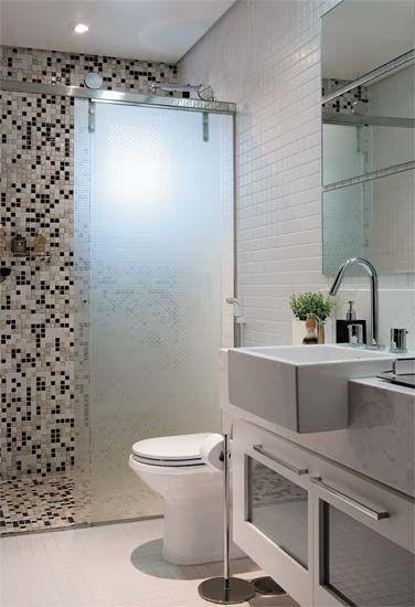 Banheiros pequenos e baratos branco