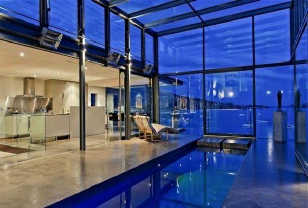 Finden Sie Unsere Erstaunliche Fotos Zum Thema Glashaus .Ein Glashaus Steht  Für Luxus, Eleganz Und Moderne Architektur.
