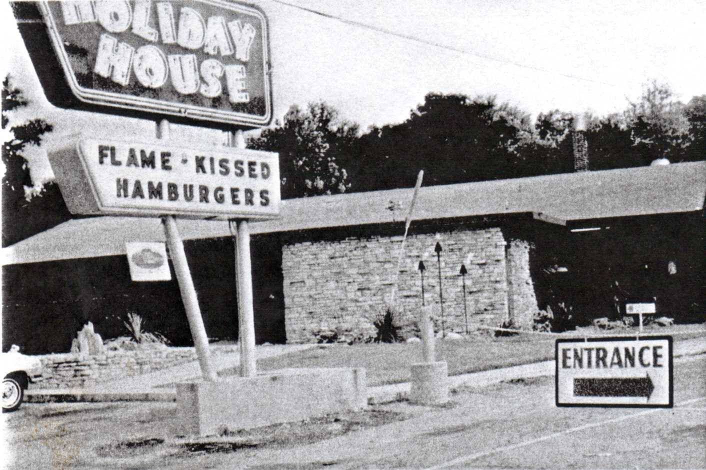 Holiday House On Barton Springs Rd Home Of Charlie The Alligator Austin Pictures Barton Springs Vintage Austin