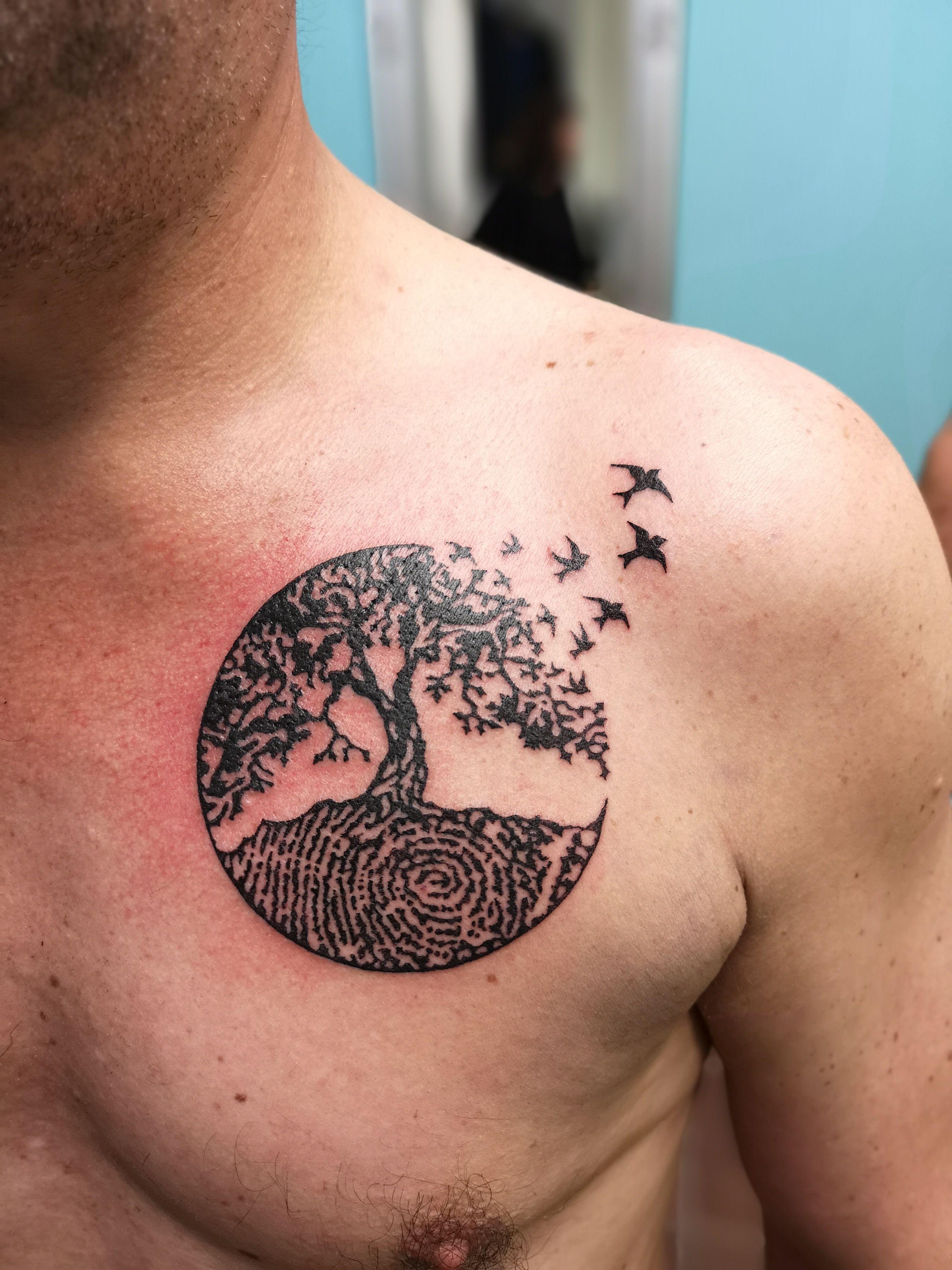 Tattoo Artist Marlise Meulendijks At Luckycattattoo