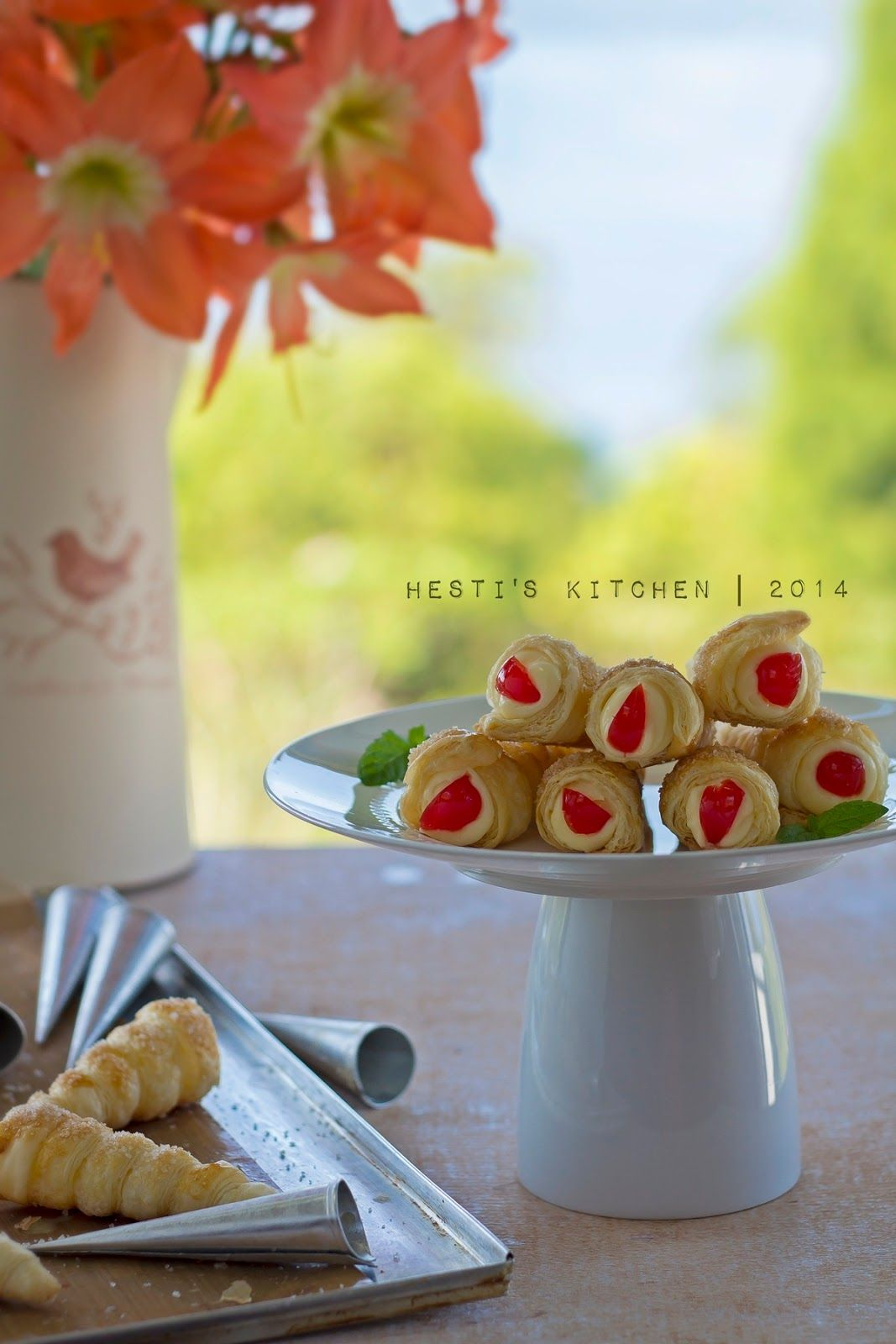 Hesti S Kitchen Yummy For Your Tummy Cream Horn Pastry Makanan Ringan Manis Resep Masakan Indonesia Pastry