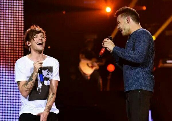 Louis and Liam in London #OTRALondon (9-24-2015)