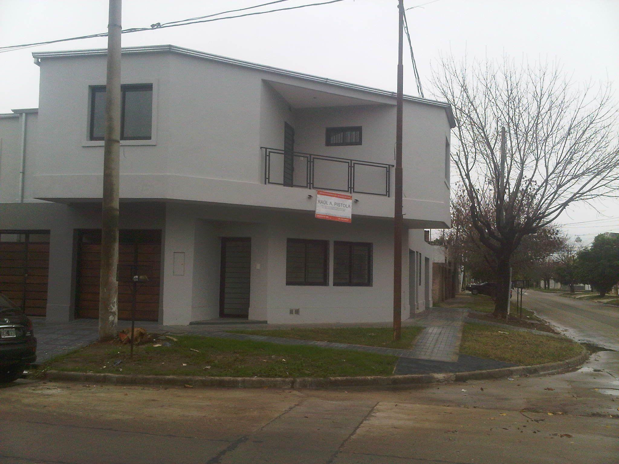 Hernandarias esquina Sarmiento duplex a estrenar con cochera