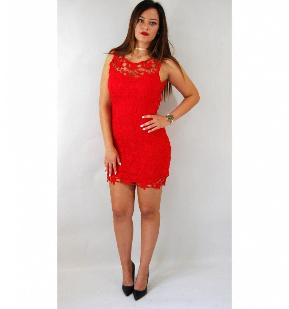 15 rotes enges kleid
