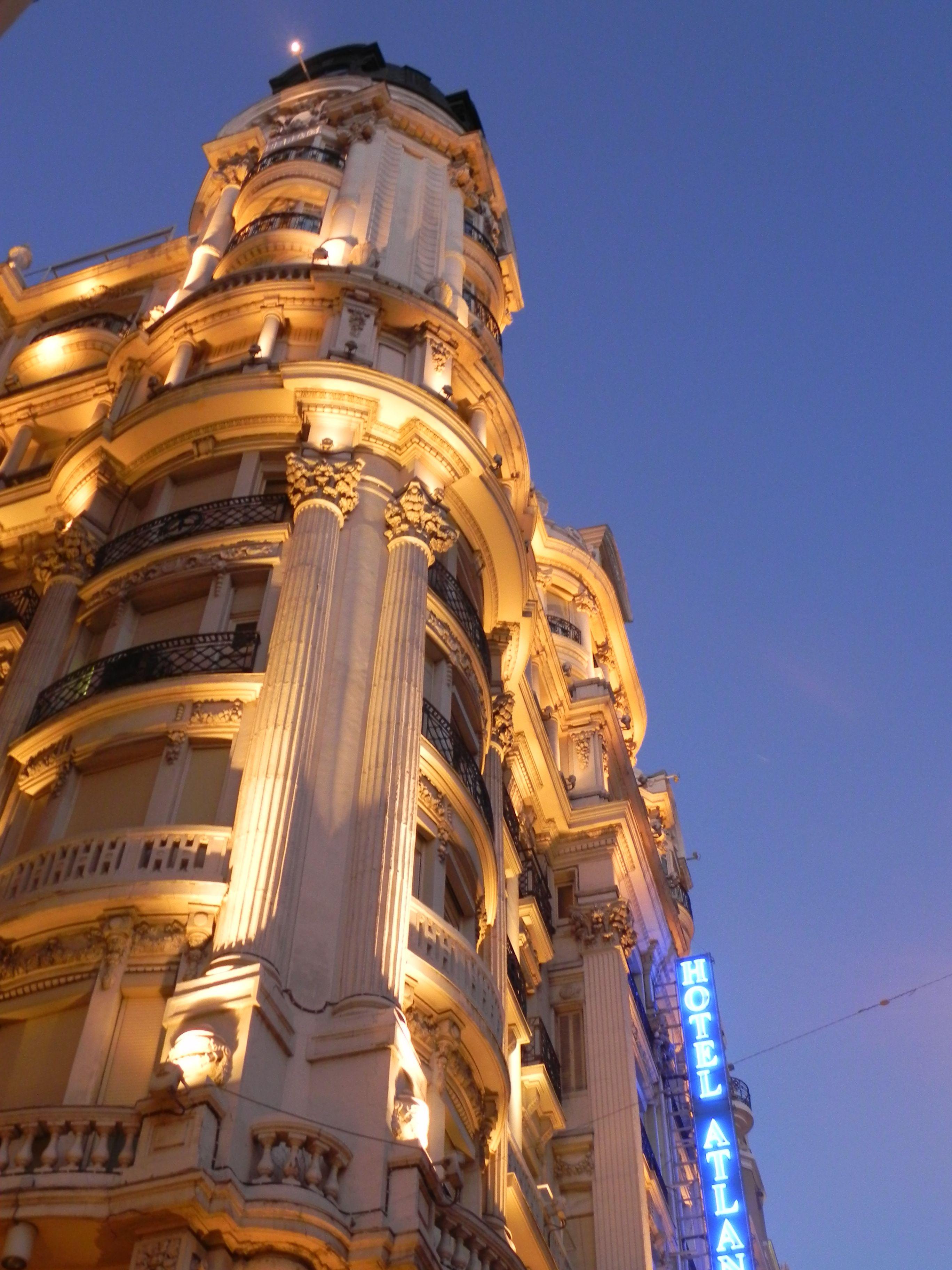 Edificio En La Gran V A Madrile A Madrid Pinterest Madrid ~ Cena Romantica En Santiago De Compostela