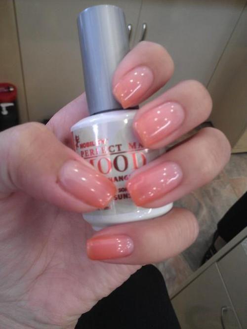 GEL POLISH :: LeChat Perfect Match Mood polish...changes colors ...