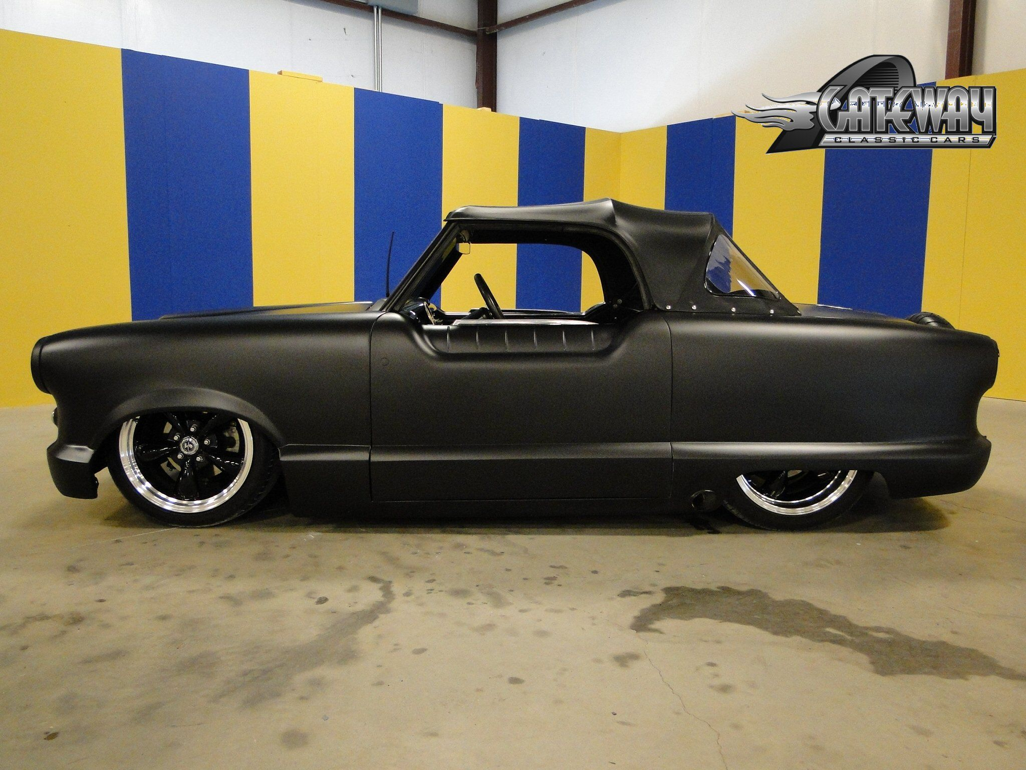 Nash Metropolitan with a EFI bette motor... crazy