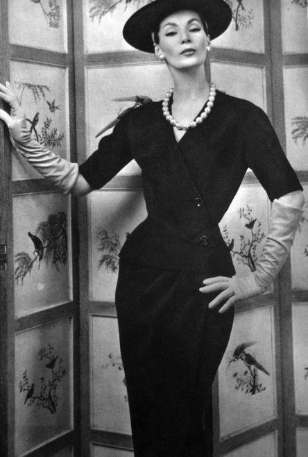 Suit fashion by Jean Patou for La Femme Chic, 1956