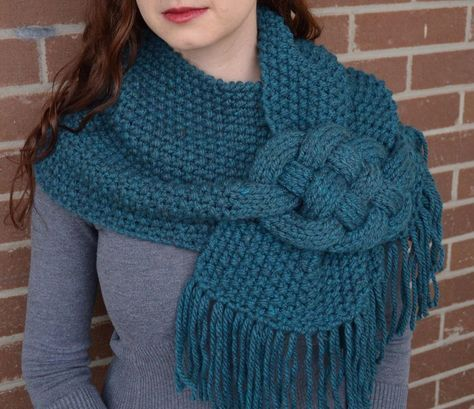 Misty Mornings - Celtic Knot Cowl Knitting pattern by Tessa D'Achille #golasdetrico