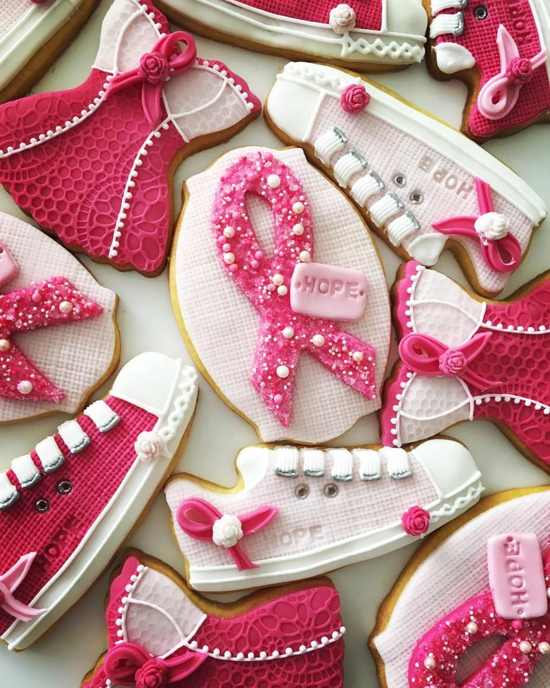 Lorena Rodriguez. Cancer awareness cookies.