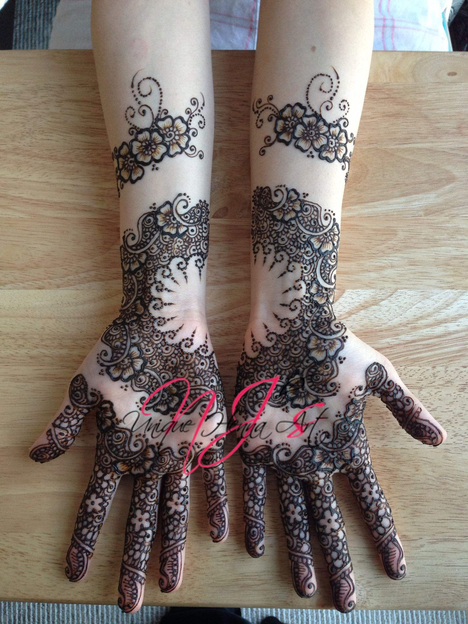 13 Unique Henna Designs Doing The Rounds This Wessing: Traditional Indian Bridal Henna 2013 © NJ's Unique Henna