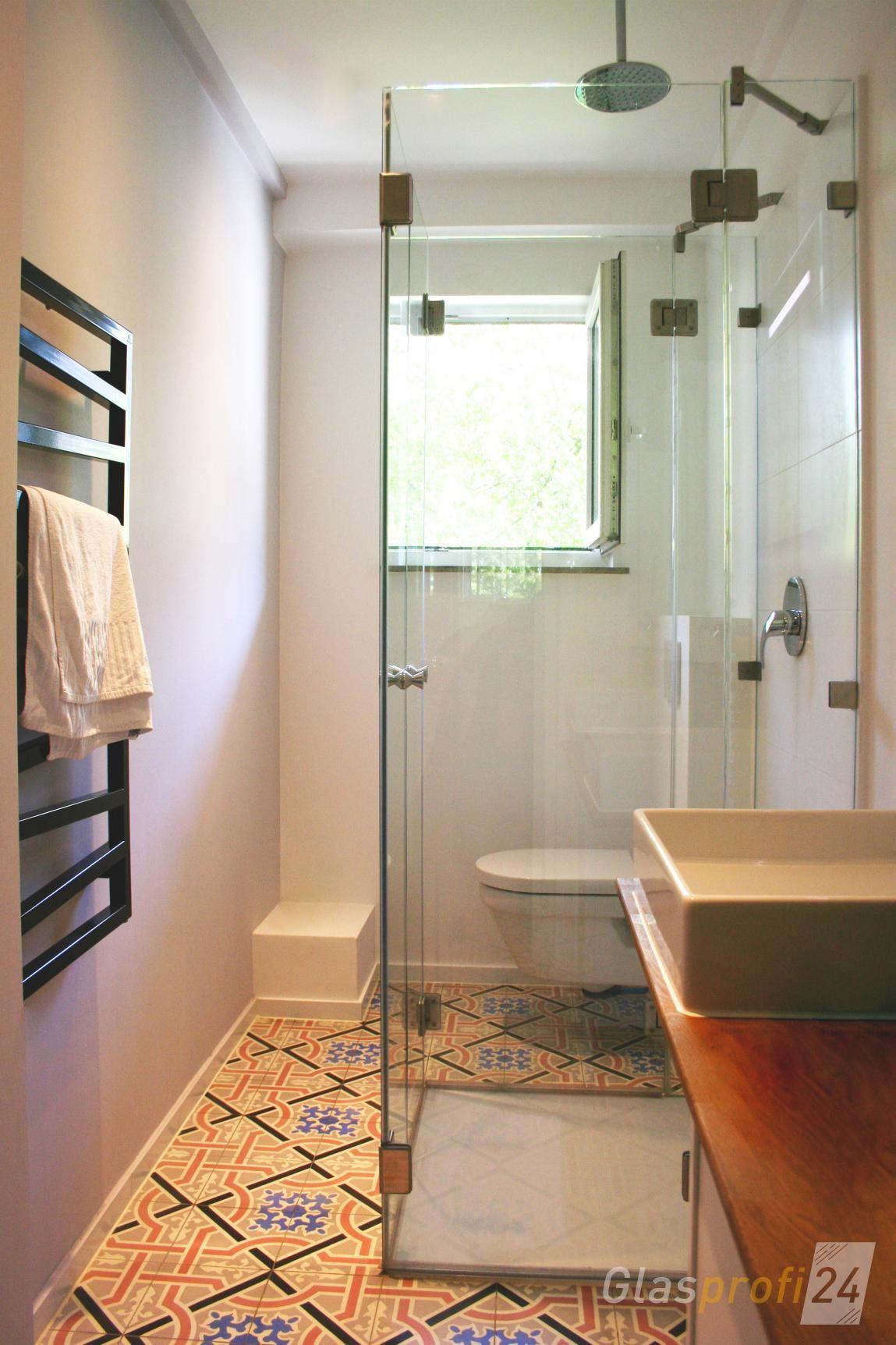 Eine Faltbare Dusche Aus Echtem Glas Ist Eine Sehr Platzsparende