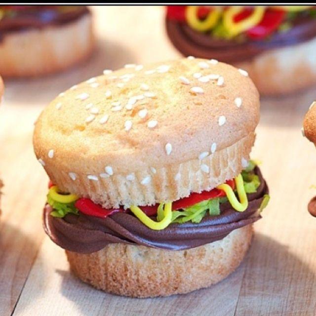 Cupcake hamburgers