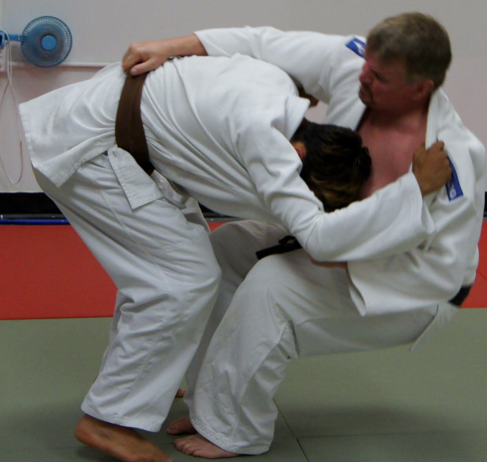 Hikikomi gaeshi judo martial arts pantsuit