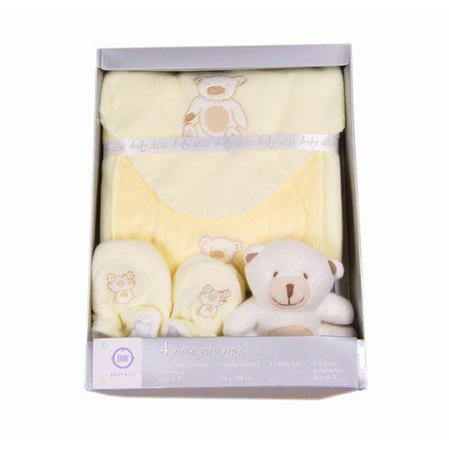 Baby Fleece Blanket Set 4pcs 100 Polyester For Blanket 1xblanket 1xsoft Toys 1xbooties 1xbibs Baby Blanket Set Baby Decor Blanket