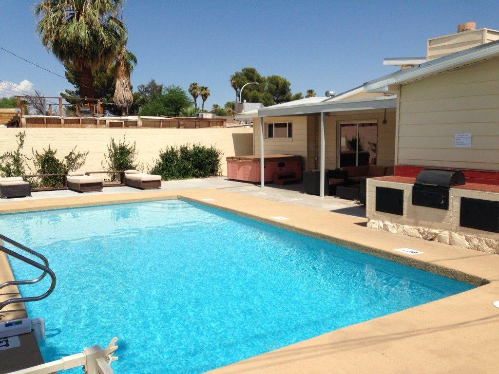 800 3nts 10 Min Walking Distance To Monorail Sleeps 12 4bdr 4bath House Vacation Rental In Las Veg Pool Houses Las Vegas Vacation Rentals Vegas Vacation