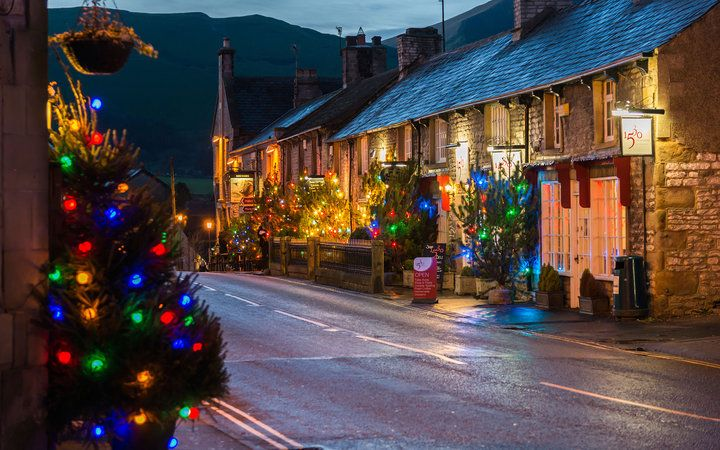 best places to spend christmas castleton england