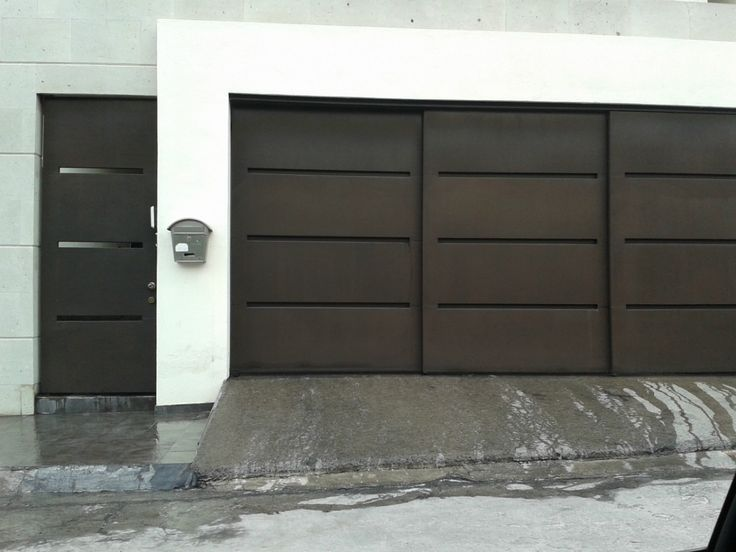Porton herreria minimalista buscar con google hogar for Fachadas de garajes modernos