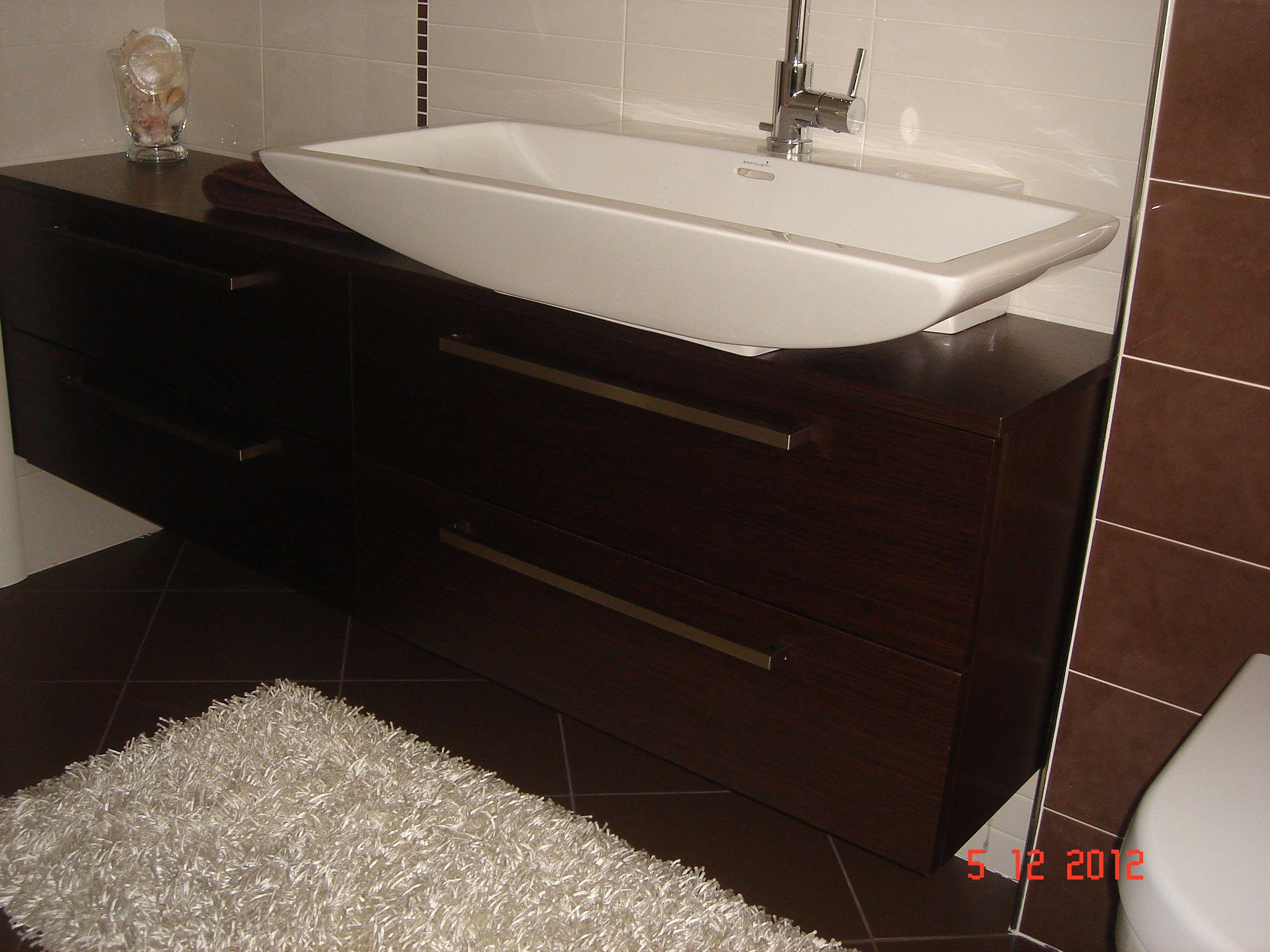 Mobile bagno in rovere scuro #wengè bagni lavanderie pinterest