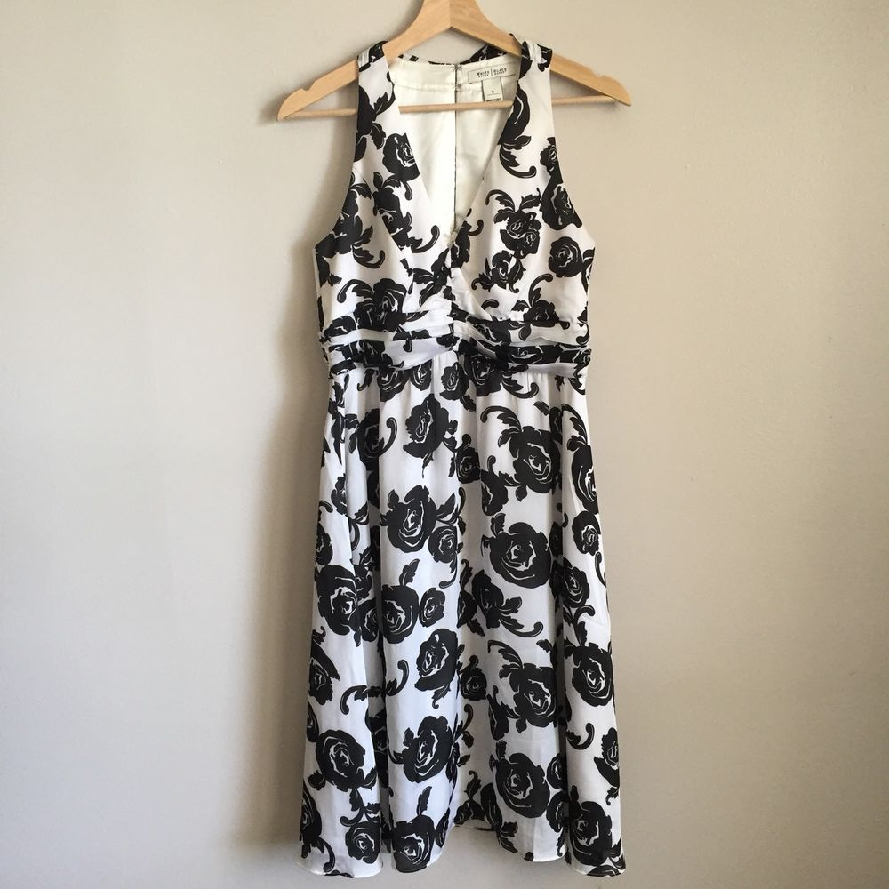 White house black market dress size black white floral roses