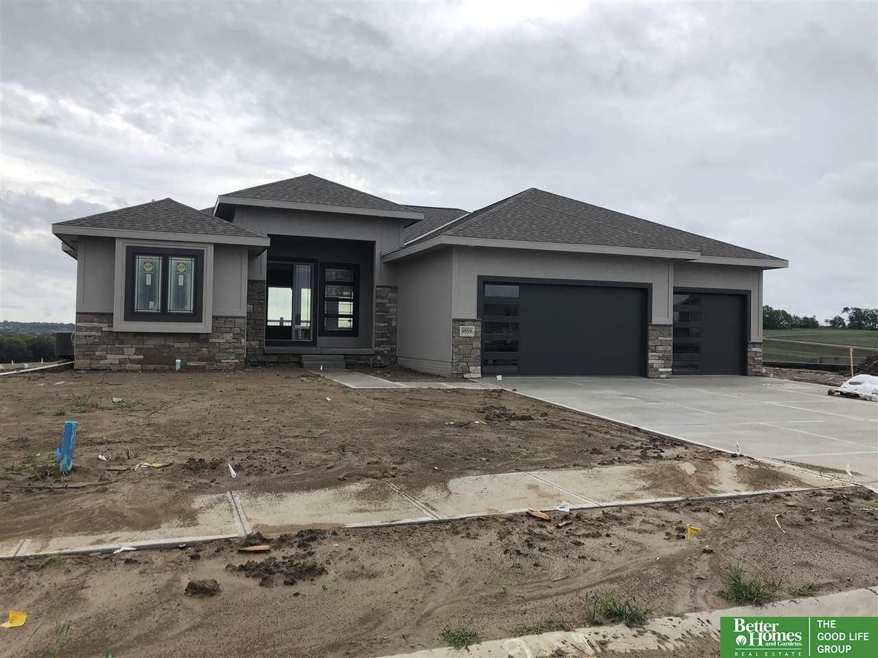 9959 S 105th St Papillion 25 Lot Size But Really Nice Inside Beautiful House Plans Brick Exterior House House Plan Gallery