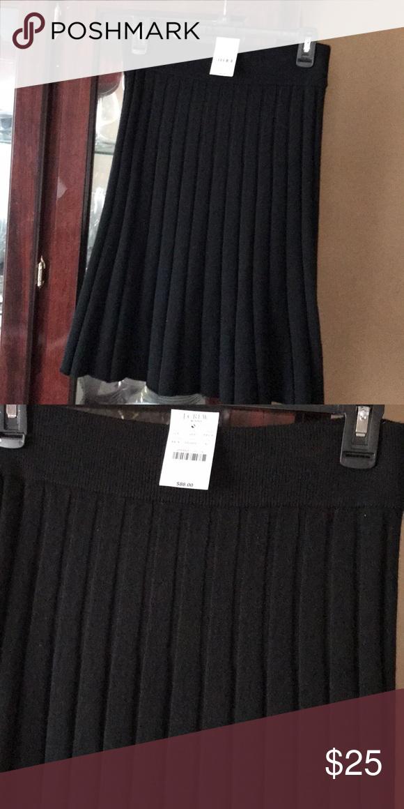 508e80dc85 NWT J Crew 💯 merino wool skirt Pleated new JCrew wool skirt J. Crew  Factory Skirts Mini