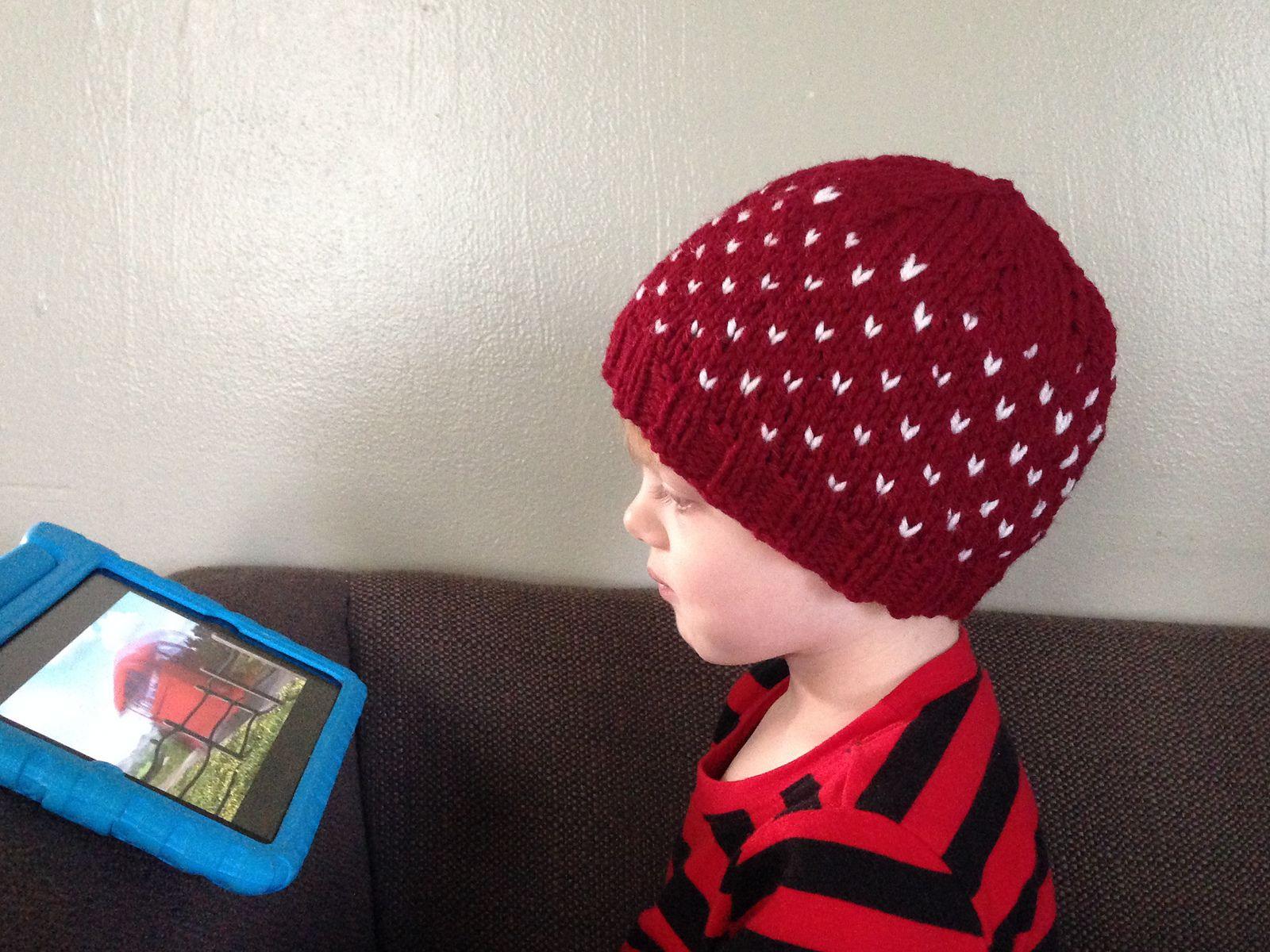 Ravelry: Tiny Hearts Hat pattern by Robyn Devine   knit & crochet ...