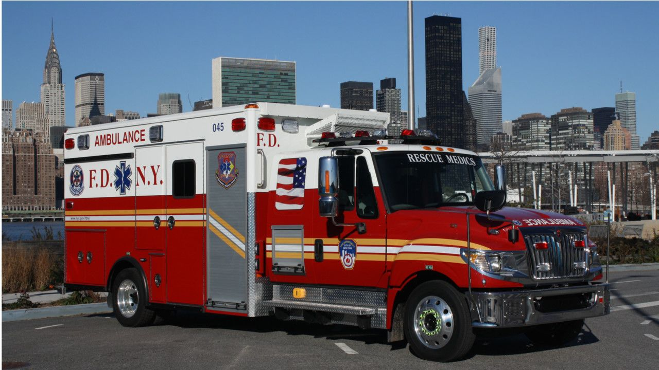Pin By James Doran On F D N Y Rescue Vehicles Fire Emt Emergency Vehicles