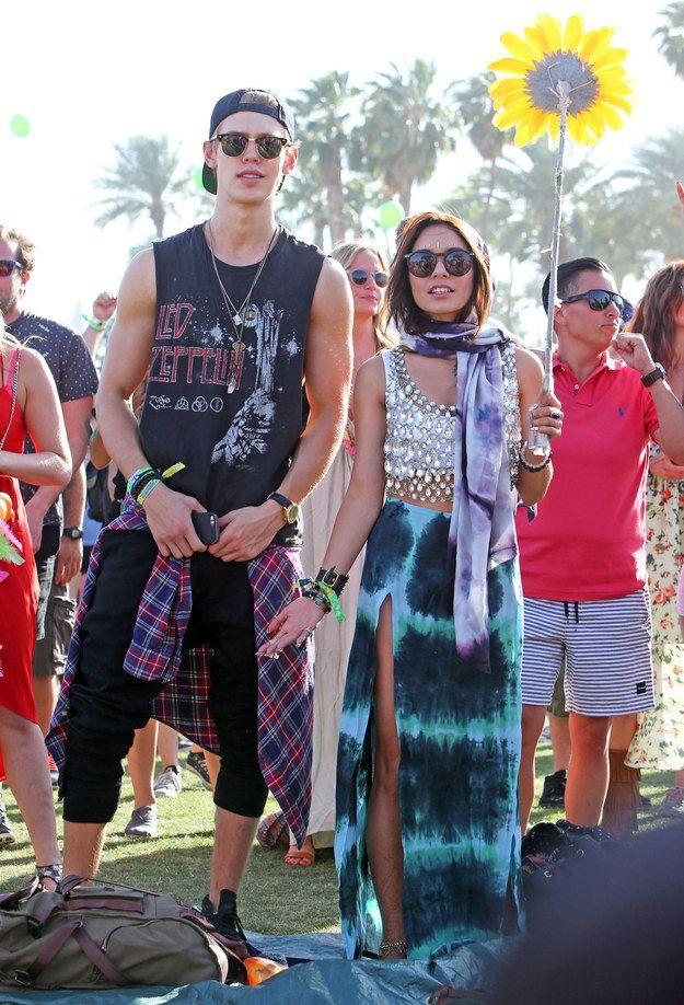 2013: Holds giant sunflower to the sky as a sacrifice to the Coachella gods: | A History Of Vanessa Hudgens At Coachella