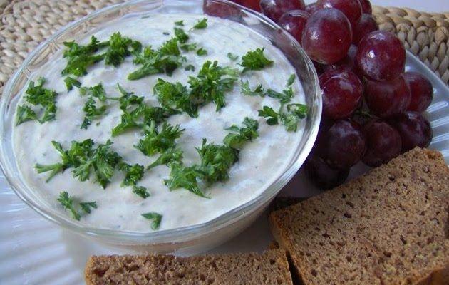 Aderezo de mayonesa, anchoas y hierbas verdes