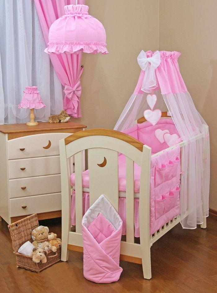 Babyzimmer mädchen gelb  Babyzimmer für Mädchen in Rosa und Beige, Himmelbett mit Bändchen ...
