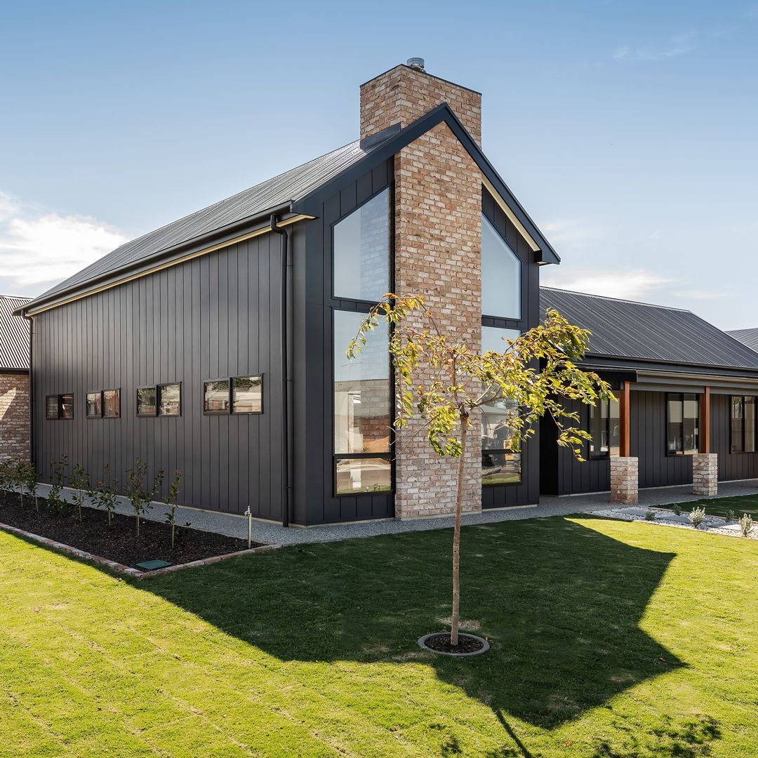 Introducing The Modern Scandinavian Barn Look A Simple Yet Striking Design Steeply Pitch Industrial House Exterior Barn Style House Modern Barn House