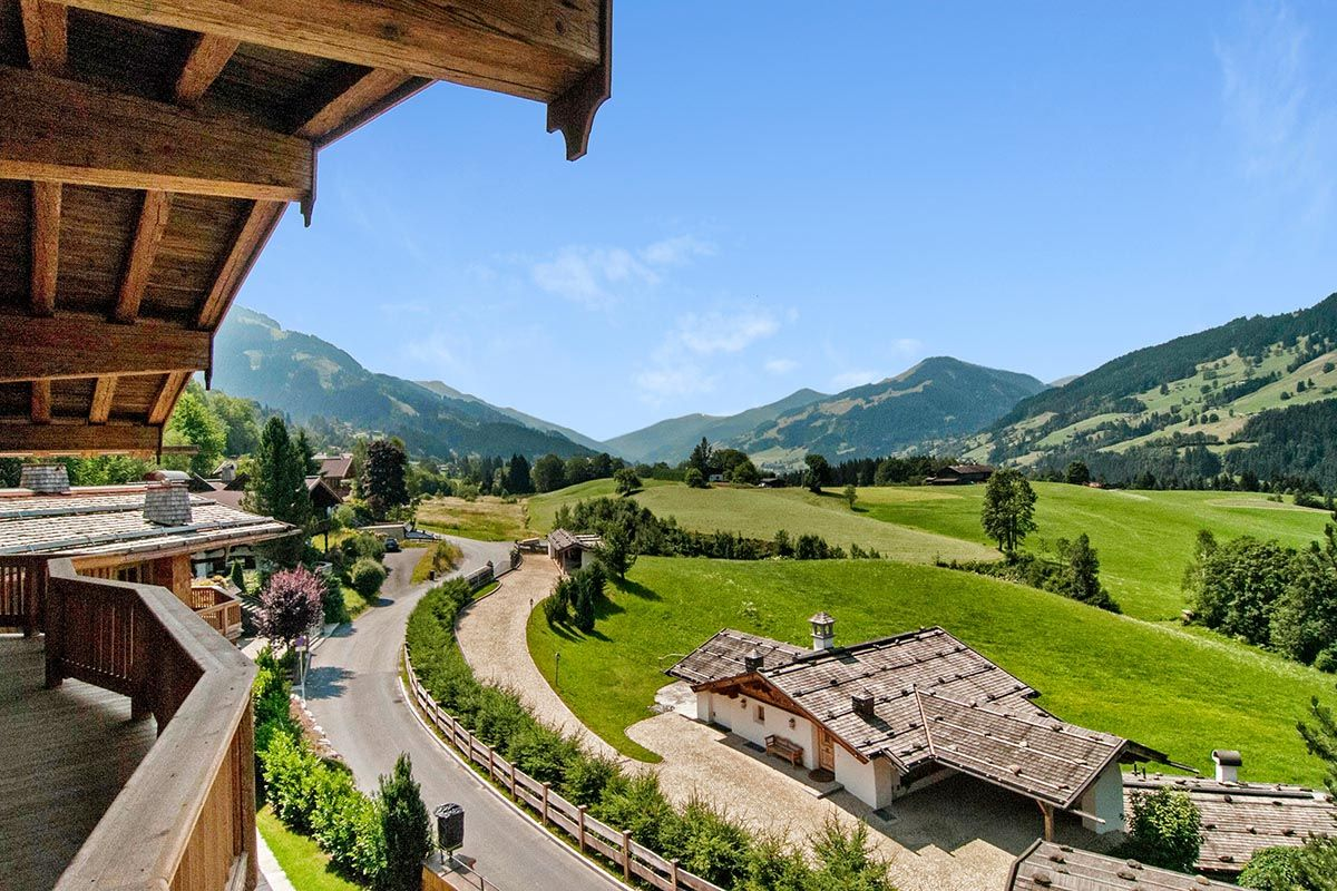 Check out this amazing Luxury Retreats  property in Kitzbuhel, with 8 Bedrooms and a pool. Browse more photos and read the latest reviews now.