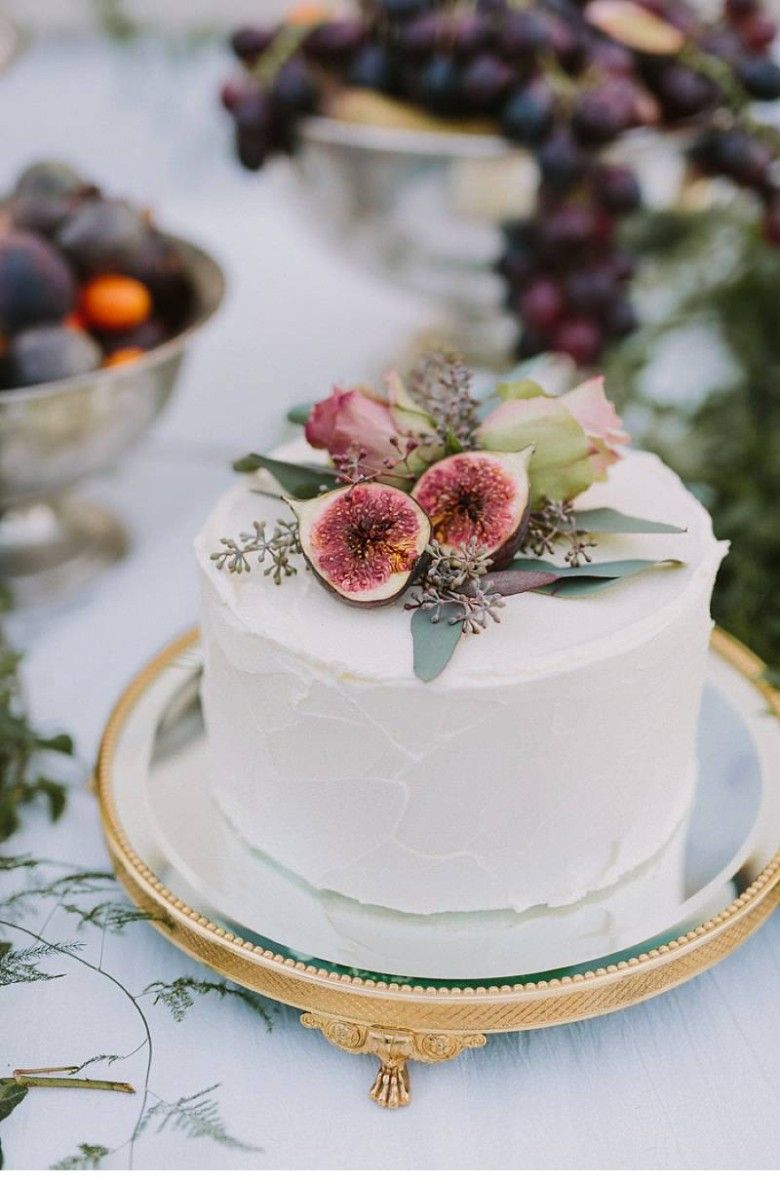 15 Small Wedding Cake Ideas That Are Big On Style A Practical Wedding Simple Wedding Cake Small Wedding Cakes Buttercream Wedding Cake