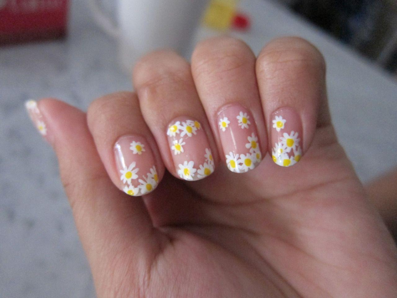 Daisy nails daisy nail art daisy nails nail art summer