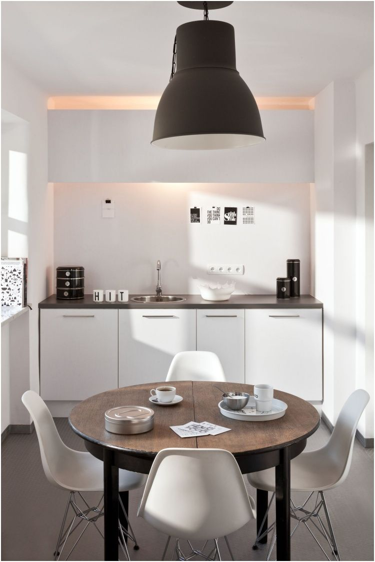 Photo of top Extendable small dining table
