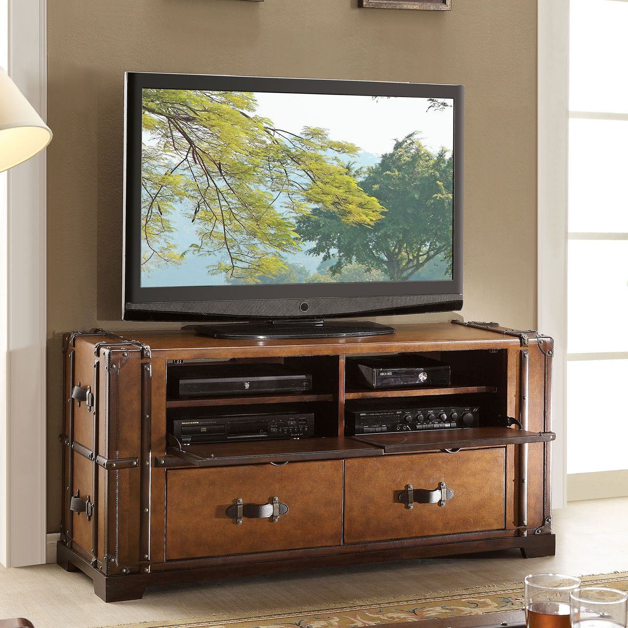 Riverside Furniture Latitudes Steamer Trunk 58 Tv Stand