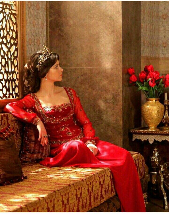 Beren Saat as Kosem Sultan (Actress) | Justtt     in 2019
