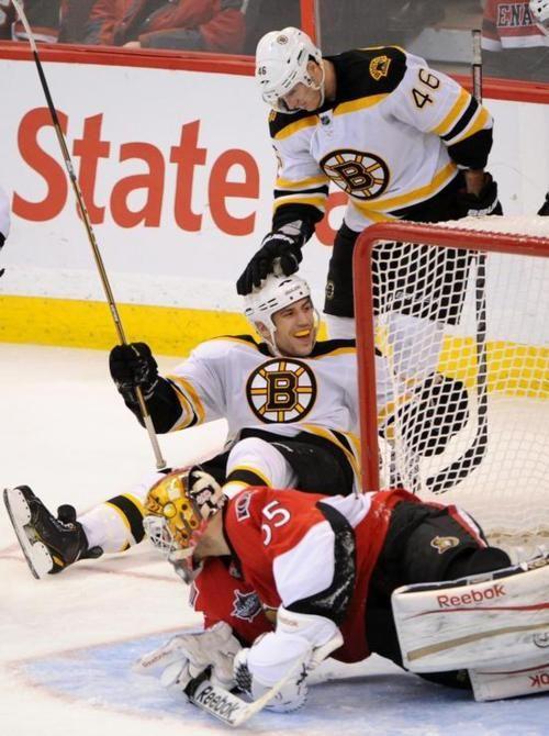 Hahahah Lucic And Krejci Love It Boston Bruins