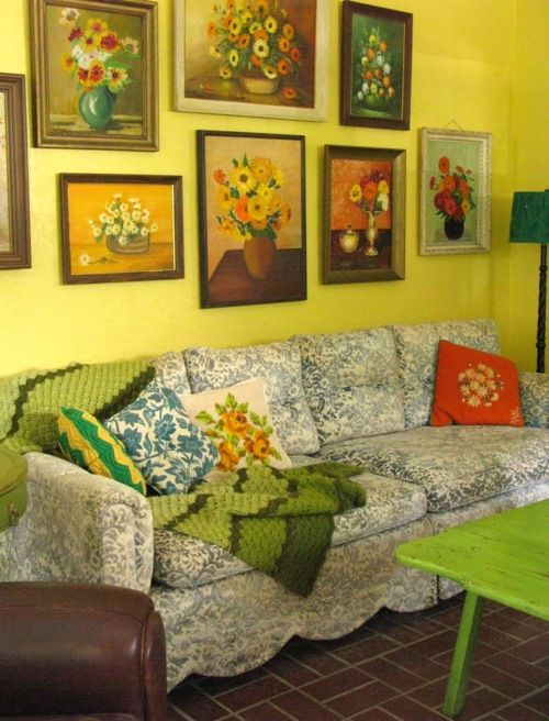 charming Kitschy Living Part - 6: Love the flower pictures and collection - Kitschy Living